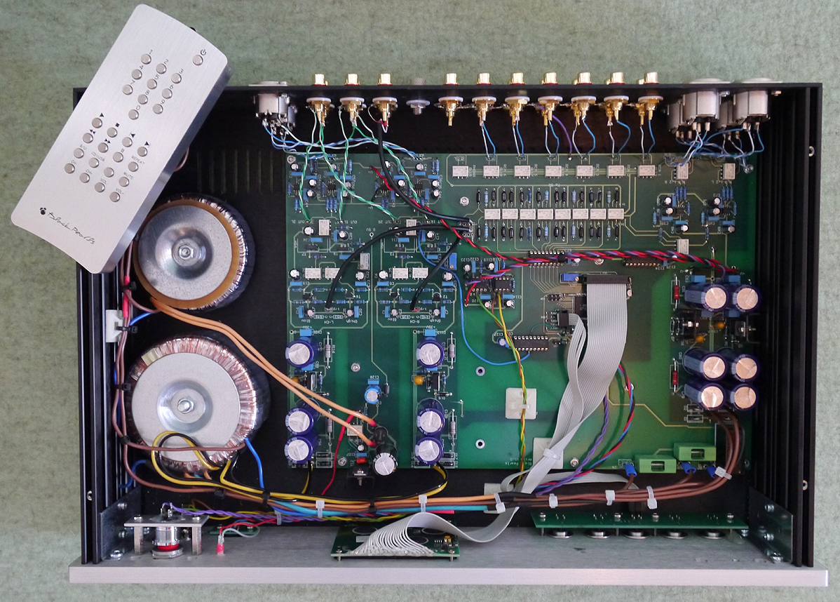 6moons Audioreviews Black Pearls Audio Aries Taurus Grooved Wiring Board The Broad Ribbon Cable From Display Was Disconnected Mother Upon Receipt So I Pushed Multi Pin Connector Back Into Its Bay